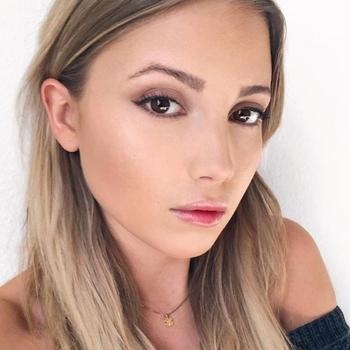 20 jarige meid, Suurs zoekt sexcontact met man in Vlaams-brabant