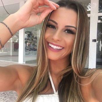 Sexdate met Snopor - Vrouw (27) zoekt man Namen