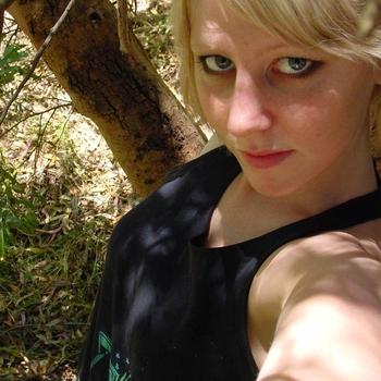 25 jarige vrouw uit Linkebeek zoekt sex