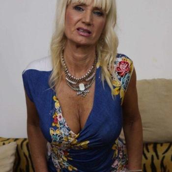 61 jarige vrouw uit Linkebeek zoekt sex